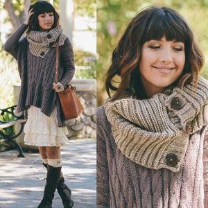 MOCHA LOVE Knit Infinity scarf